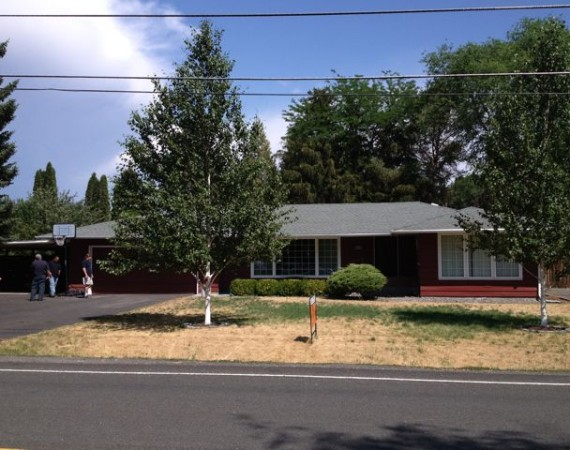 Front Yard Summer (Before) – ELN Klamath Falls Sprinklers and Yard Maintenance